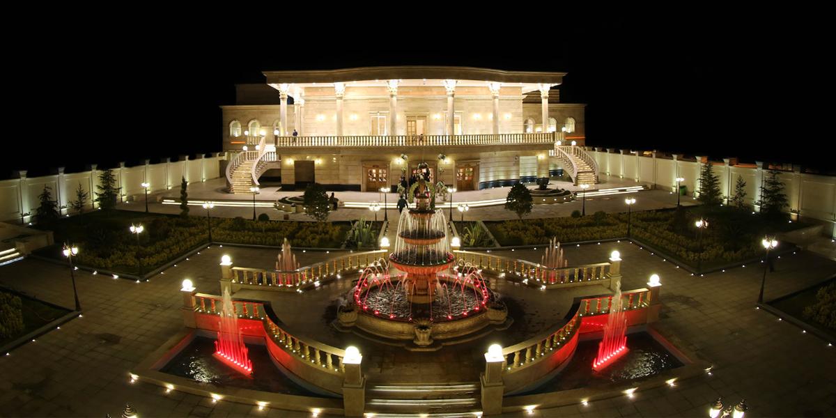 Image result for رستوران باغ بهرامی کرمان